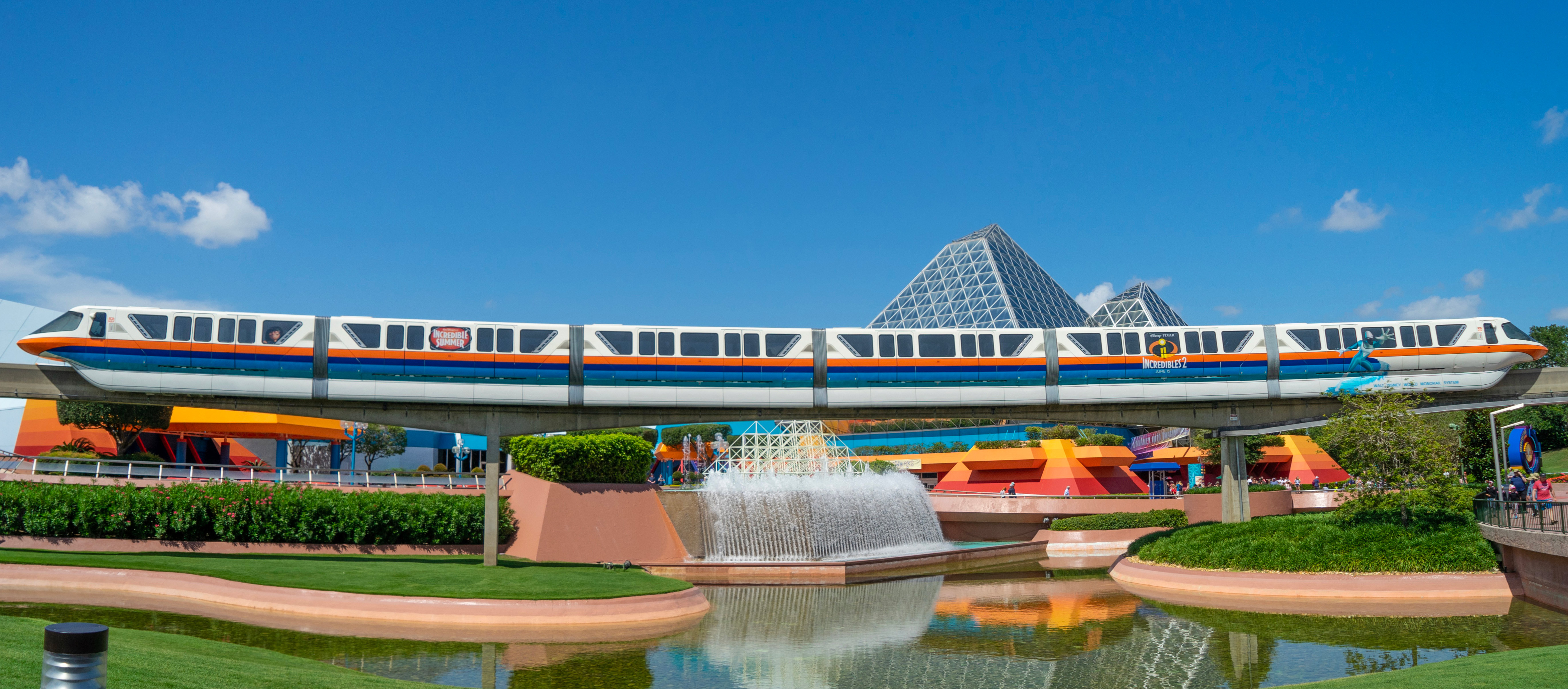 Incredibles-2-Monorail-Side-2