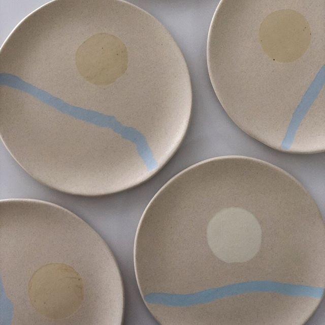 @ru.paper 만을 위한 컬러의 접시를 만들었어요
