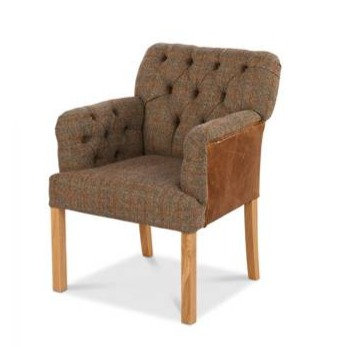 BUTTONED LOW CHAIR