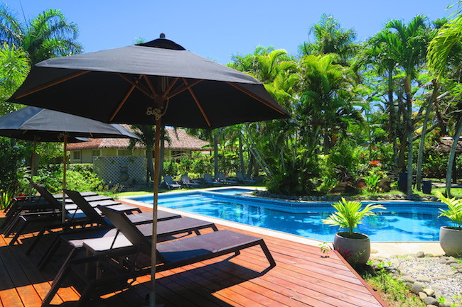 Lagoon Breeze Villas -Poolside