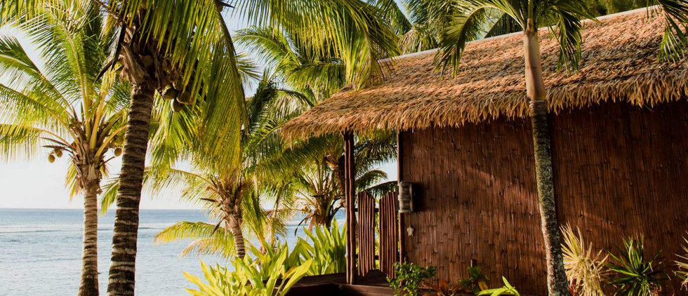 Magic Reef Bungalow - Absolute Beachfront