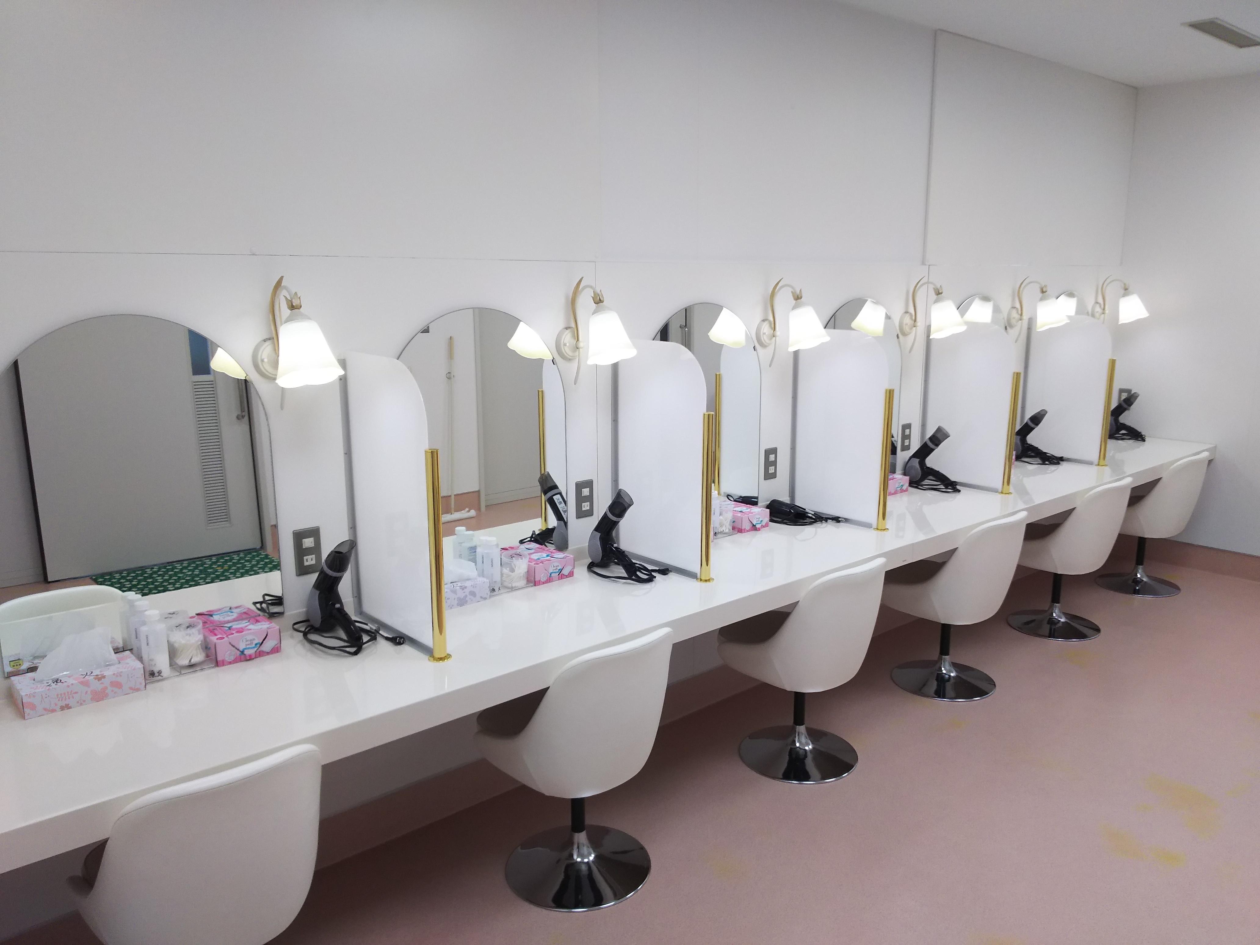 化粧室 (1)