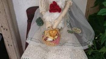 カントリードール オーガンジーのワンピースを着た女の子  人形