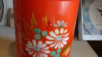 アンティーク ランズバーグ、ロング缶、フラワー柄オレンジ TIN缶