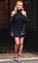 margot-robbie-flaunts-her-sexy-figure-in-bodycon-dresses-see-pictures-4.jpg