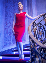 margot-robbie-flaunts-her-sexy-figure-in-bodycon-dresses-see-pictures-2.png