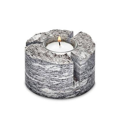 Kerzenhalter rund mit 3 Schnitzerein
