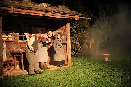 Bild_zvg.Theatergruppe Klosters Serneus (3) Kopie.jpg