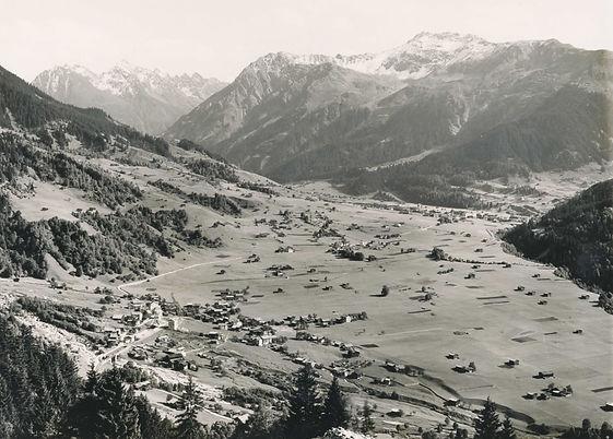 Klosters Dorf Sommer 1910 Kopie.jpg