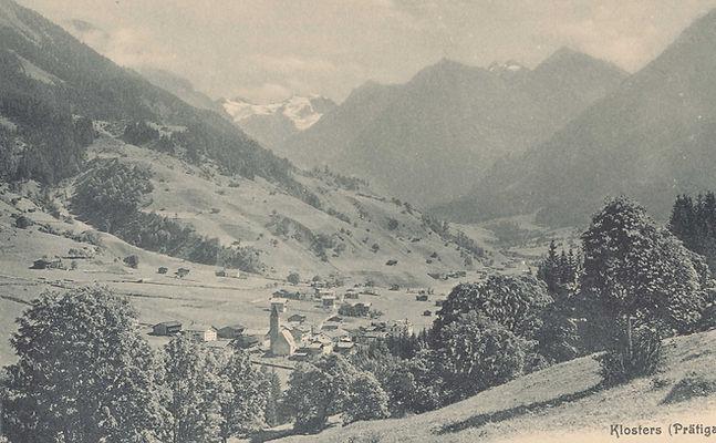 PK Klosters in Richtung Silvretta Sommer Kirche Kopie.jpg