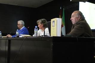 """Presentación del libro  """"Historia de las Adoratrices. Badajoz 1919-2015. Sembrando"""""""