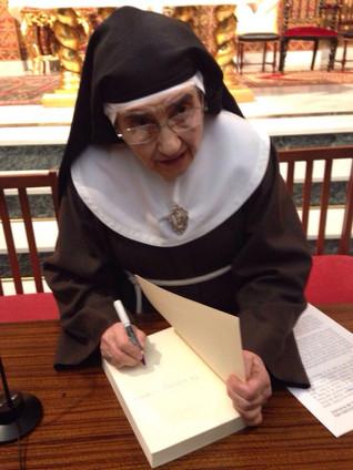 """Presentación del libro: """"Historia del Real Monasterio de Santa Ana de Badajoz, 1518-2018"""" 22/12/2016"""