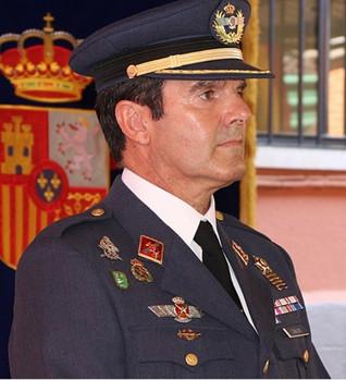 """Conferencia  """"El Ejército y la ciudad de Badajoz"""", D. Jesús Antonio Caballero Calzada. 11/11/2019, 2"""