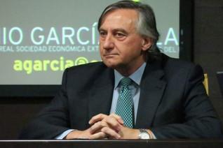 """Charla-coloquio: """"El Corredor del Suroeste Ibérico. Eje de desarrollo peninsular"""" Antonio García Sal"""