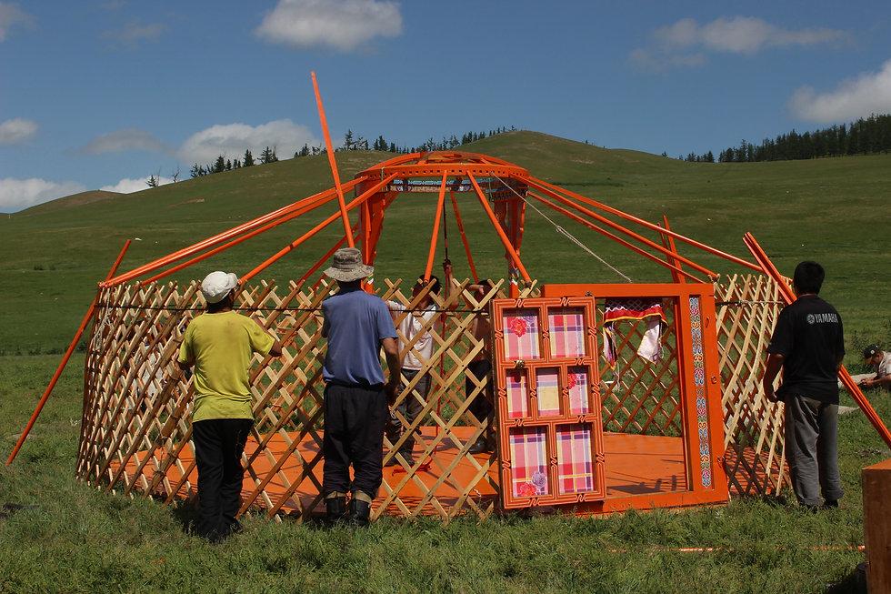 Building a ger Duuya.JPG