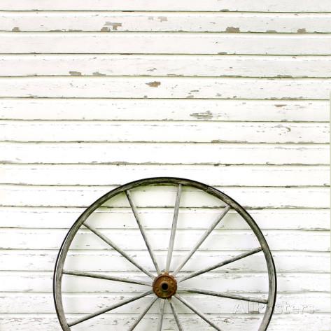 christin-lola-antique-wooden-wagon-wheel