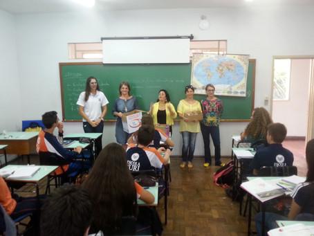 Associação de Pais entrega mimos de Páscoa aos alunos da Escola da URI