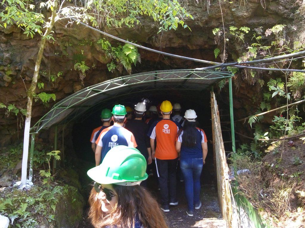 Escola-em-Ametista-4-gruta-1024x768