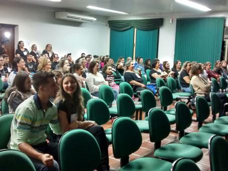 Técnico em enfermagem da Escola da URI realizou Seminário de Saúde Mental
