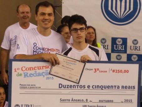 Aluno da Escola da URI conquista o 3º Lugar e alunas receberam Menção Honrosa no Concurso de Redação