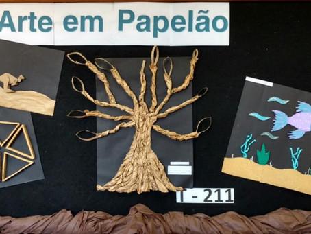 Alunos do primeiro ano do Ensino Médio da Escola da URI constroem quadros com papelão