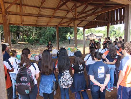 Alunos da Escola da URI visitam aldeia indígena
