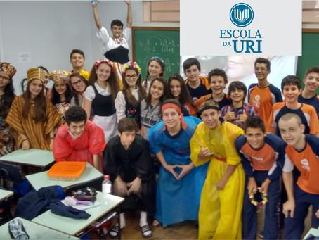 Alunos da Escola da URI apresentam vestimentas e pratos típicos de diferentes culturas