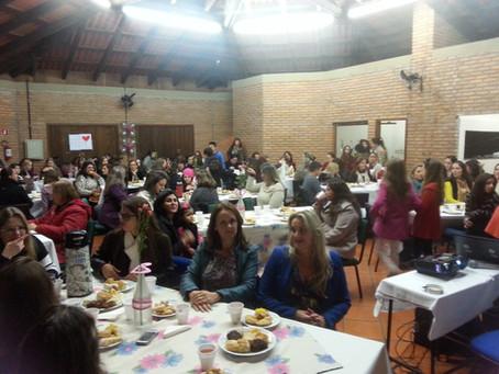 Escola da URI realiza homenagem ao Dia das Mães