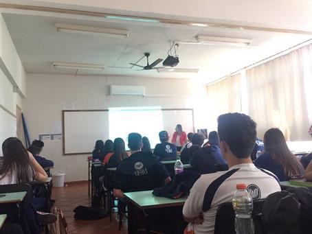 Ciclo de Palestras de Orientação Profissional da Escola da URI recebeu profissional da área da Odont
