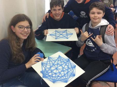 Artesanato e Matemática na Escola da URI