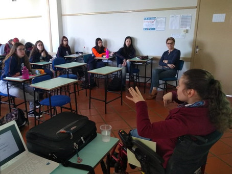 """""""Desafios Profissionais"""" promove palestras para concluintes da Escola da URI"""