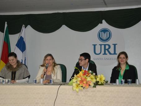 Escola da URI realiza ciclo de palestras para alunos do 3º ano
