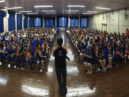 Escola da URI recepcionou alunos com mensagem sobre valores