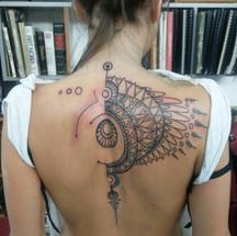 Geometrical back piece