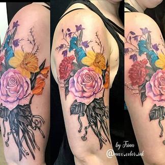 flowers shoulder tattoo