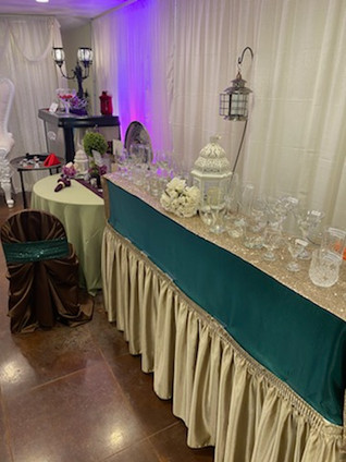 Linen bar can be dressed with your color choices!
