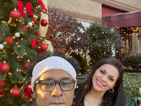 Fernanda Noronha e Peu Pereira, no Natal da Telemundo Atlanta 2020.