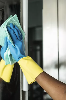 Cleaning Mirror Contract Cleaners.webp