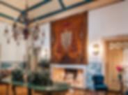 Sala historica do tapete com Brasão da Quinta do Torneiro