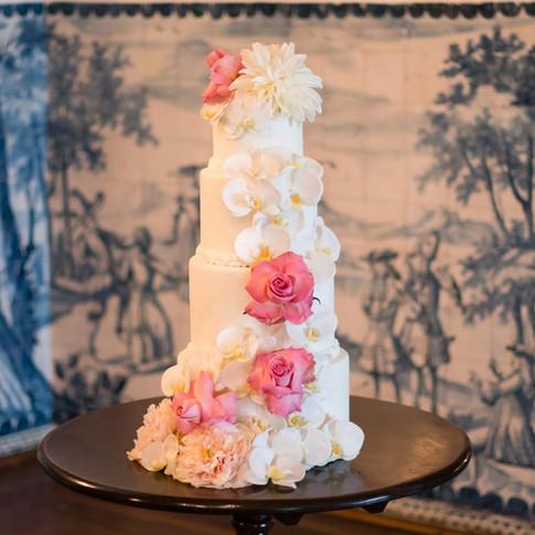 Wedding cake at Quinta do Torneiro in Lisbon, Portugal