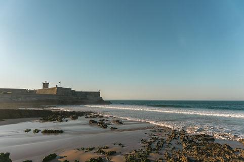 Carrcavelos strand in Portugal, dichtbij Qinta do Tornieiro.