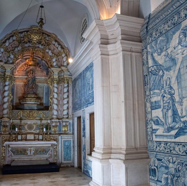 De Kapel met de beroemde Portugese tegels bij Quinta do Torneiro, in Lissabon.