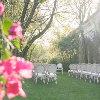 Wedding at Entrance Garden of Quinta do Torneiro in Lisbon, Portugal