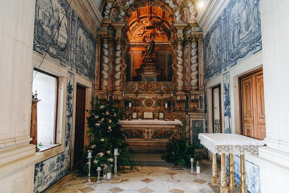 Capela exclusiva da Quinta do Torneiro decorada com azulejos portugueses em Lisboa