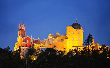 Pena Palace Bespoke Castle for Your Wedding in Portugal Offers Unique Photo Possibilities