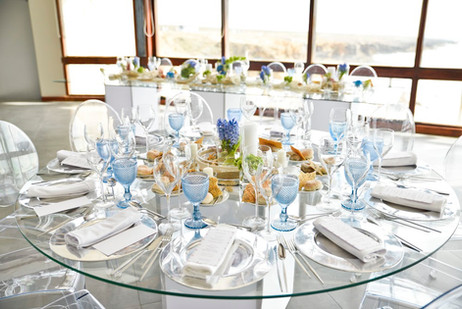 Glass table decoration