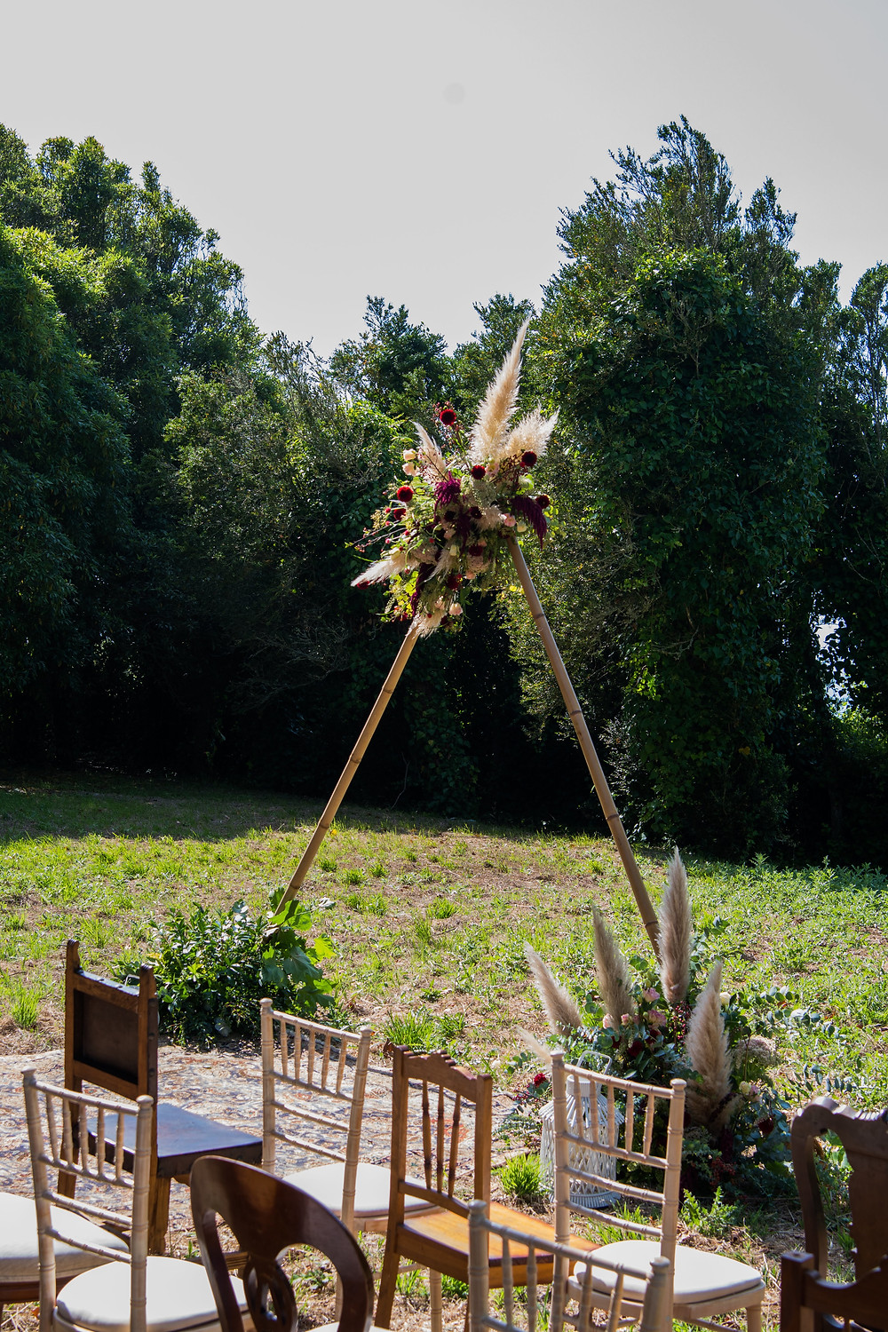 Wedding ceremony decor with pampas grass for the perfect boho rustic wedding style at The Quinta My Vintage Wedding Portugal