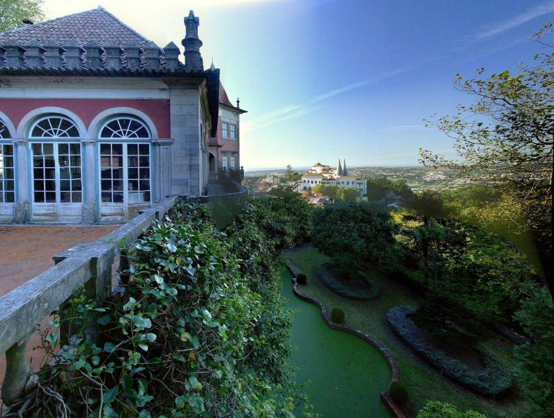 Casa dos Penedos a beautiful castle in Sintra perfect for destination weddings in Sintra Portugal