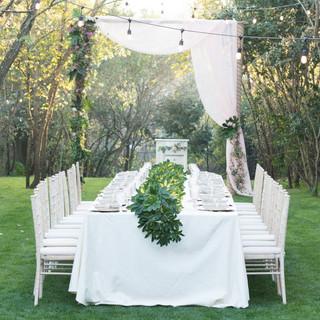 Outdoor wedding table at Quinta do Torneiro in Lisbon, Portugal