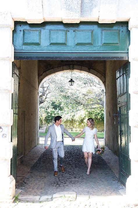 Pre wedding fotos at Quinta do Torneiro in Lissabon. Rustiek weddings in Portugal. Mijn destination wedding Portugal.